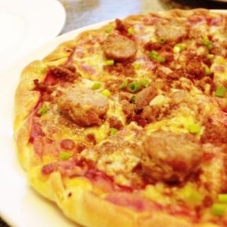 """Longaniza Pizza (8"""") PHP 200.00"""